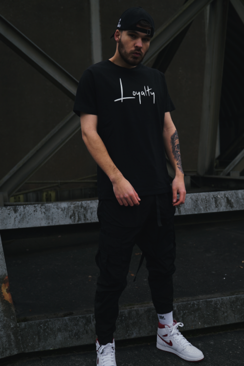 Loyalty Shirt black
